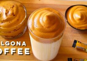 Esta receita de café Dalgona vai adoçar sua quarentena