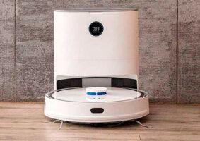Aspirador robô totalmente automatizado tira até a poeira dele sozinho