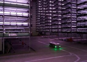 Fazenda vertical sustentável pode produzir uma tonelada de verduras por ano