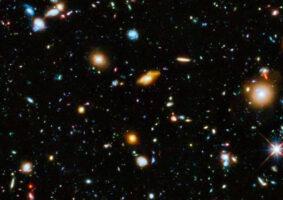 Vídeo mostra detalhes da imagem Hubble Ultra Deep Field