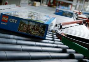 Curta documentário mostra como LEGO é feito